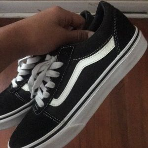 Size 4 vans brand new never worn before.